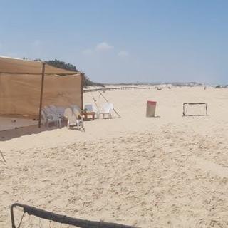 רשת צל בחוף הים.jpg