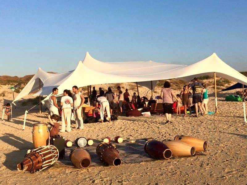 קמפינג משפחות בחוף