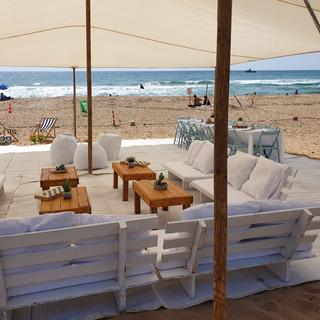 מתחם אירוח בחוף אכזיב