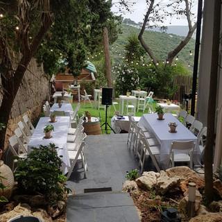השכרת ציוד לחתונה בחצר הבית
