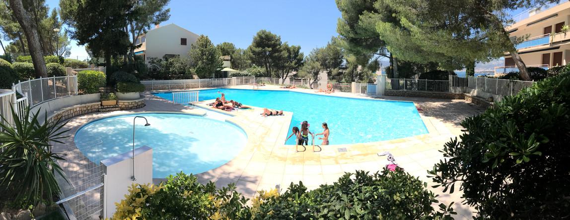 STM Schwimmbad.jpg