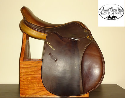 Marcel Toulouse Close Contact English Show Saddle Size: 17 Inch