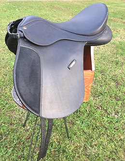 Wintec WIDE All Purpose Saddle  Seat: 18 Inch