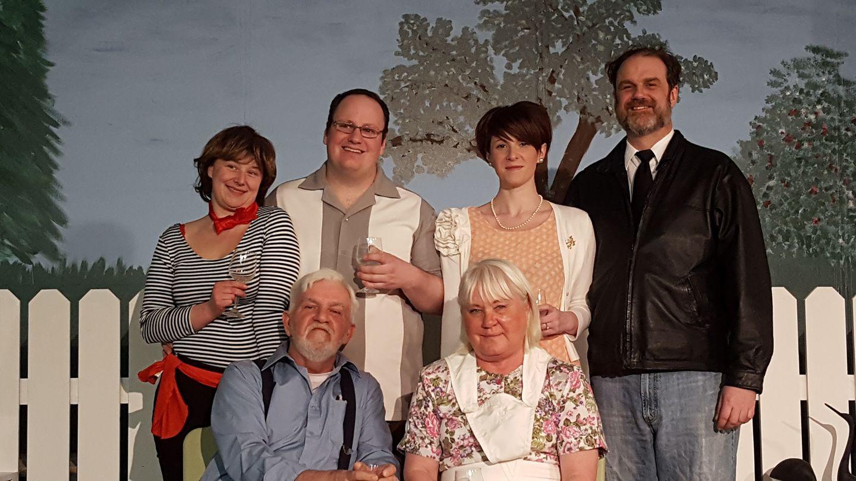 Hilda's Yard Cast