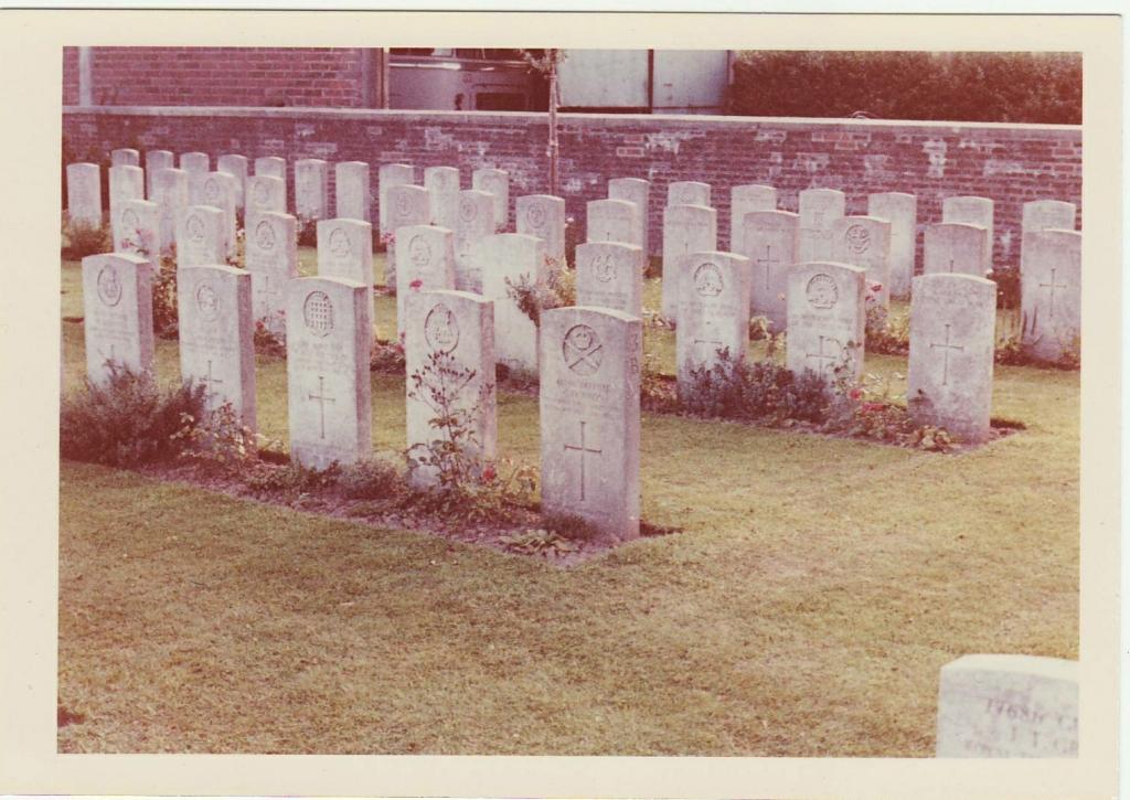 Birr Cross Roads cemetery, Zillebeke