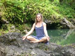 a Hawaii-Waterfall-Meditation