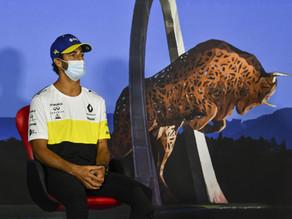 """Ricciardo é um dos três pilotos """"em diferentes níveis"""", diz diretor esportivo da Renault"""