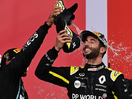 Jenson Button avalia Daniel Ricciardo como nome ideal para pilotar ao lado de Lewis Hamilton