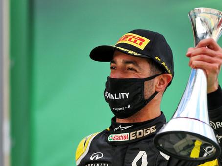 Dois anos e quatro meses depois: Ricciardo lava a alma e sobe ao pódio no Grande Prêmio de Eifel