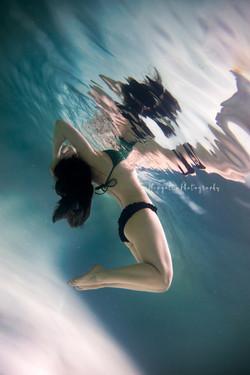 Victoria's Underwater Shoot-28