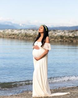 Shara's Maternity L-39