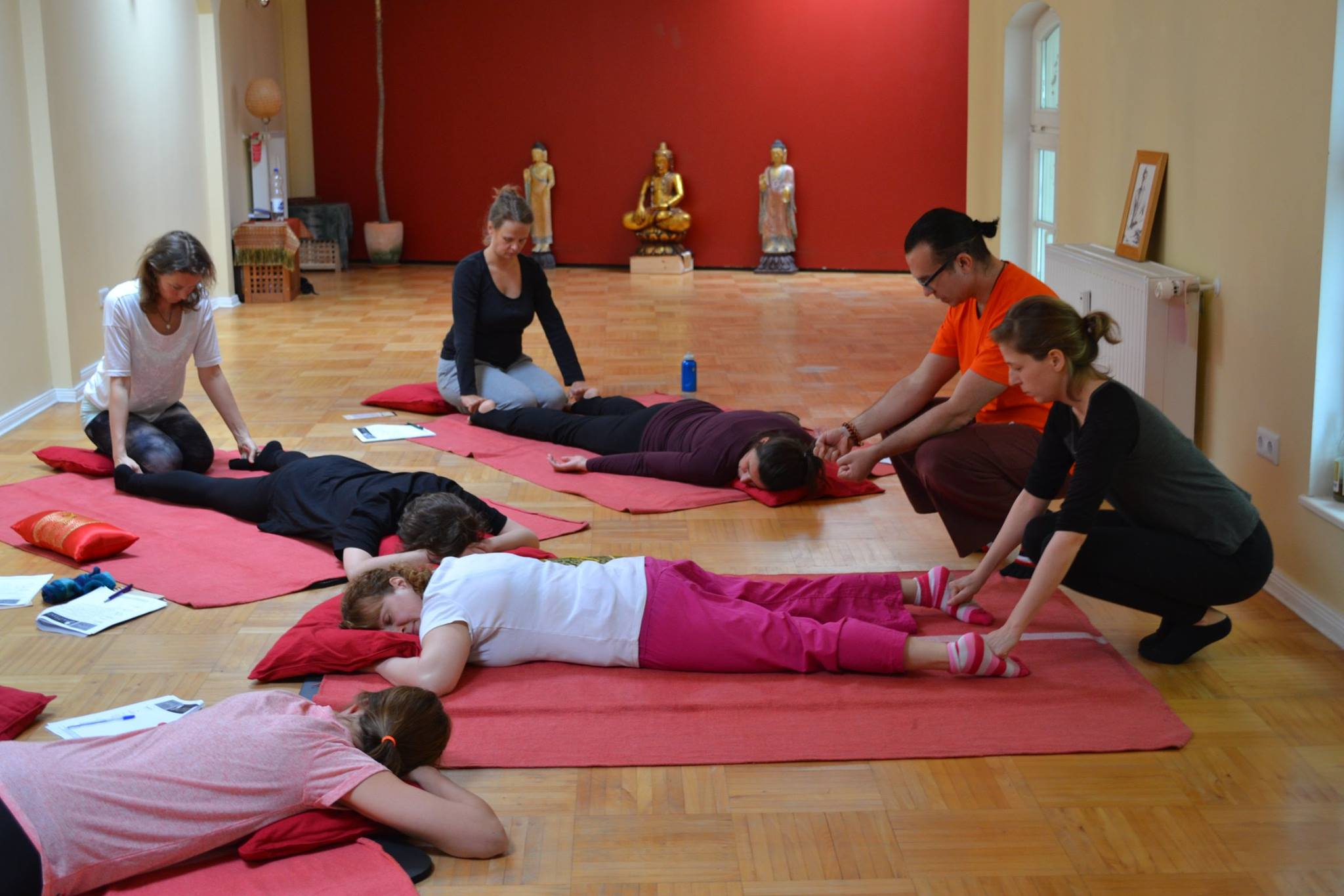 Thai yoga massage workshop berlin_13.jpg