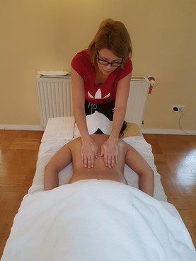 Aromatherapy-Essential Oil Massage Cours
