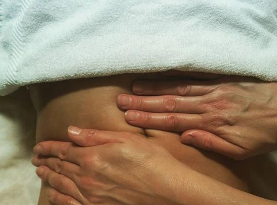 Thai Abdominal (Hara) Massage #oilmassag