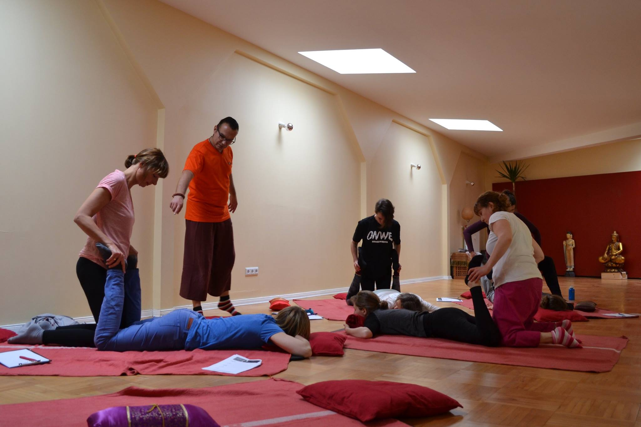 Thai yoga massage workshop berlin_01.jpg