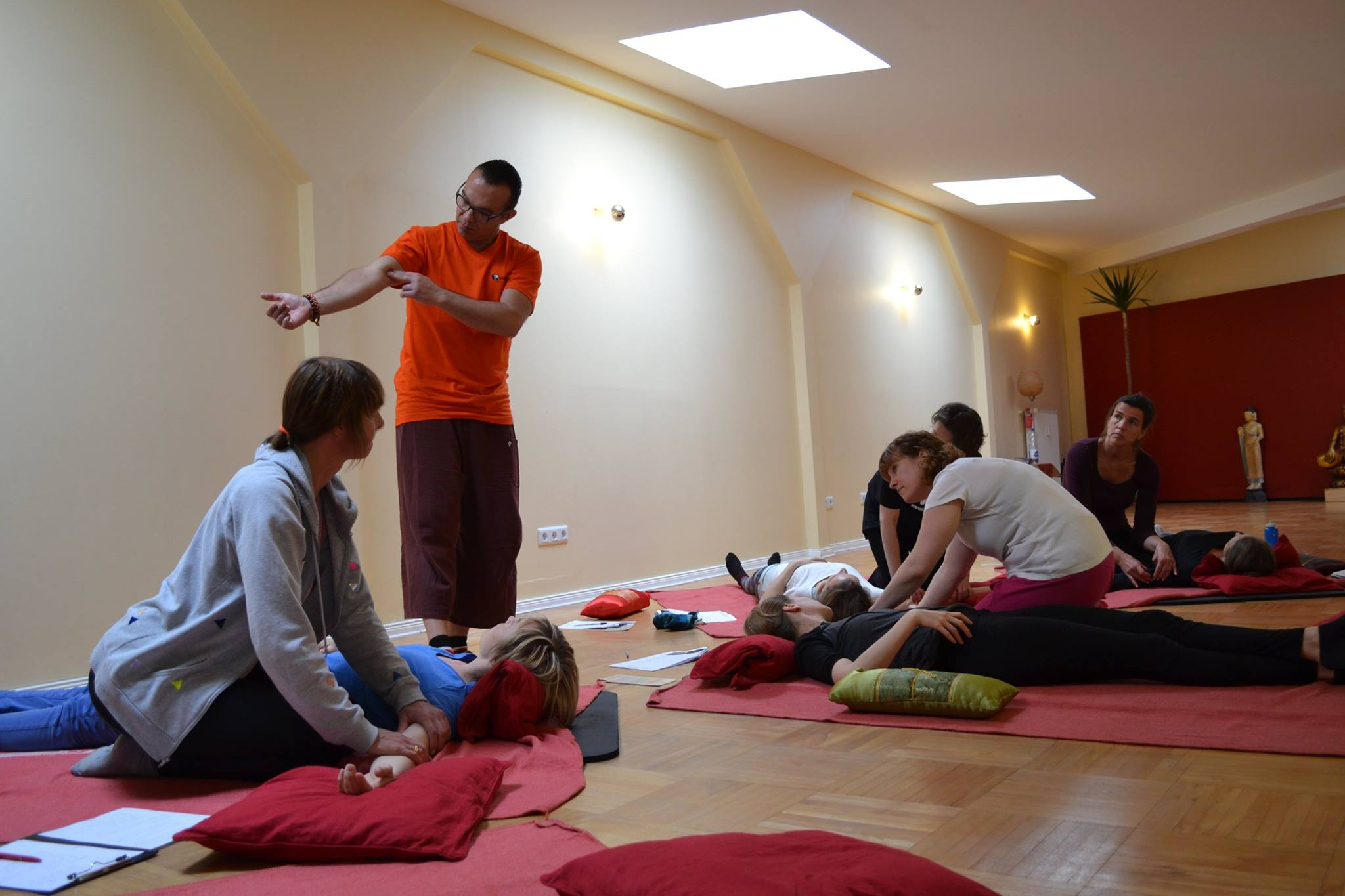 Thai yoga massage workshop berlin_06.jpg