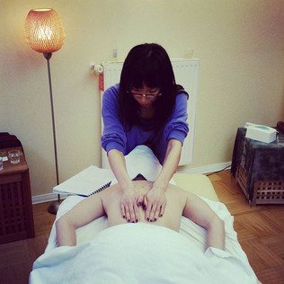 Essential Oil Massage Aromatherapy with