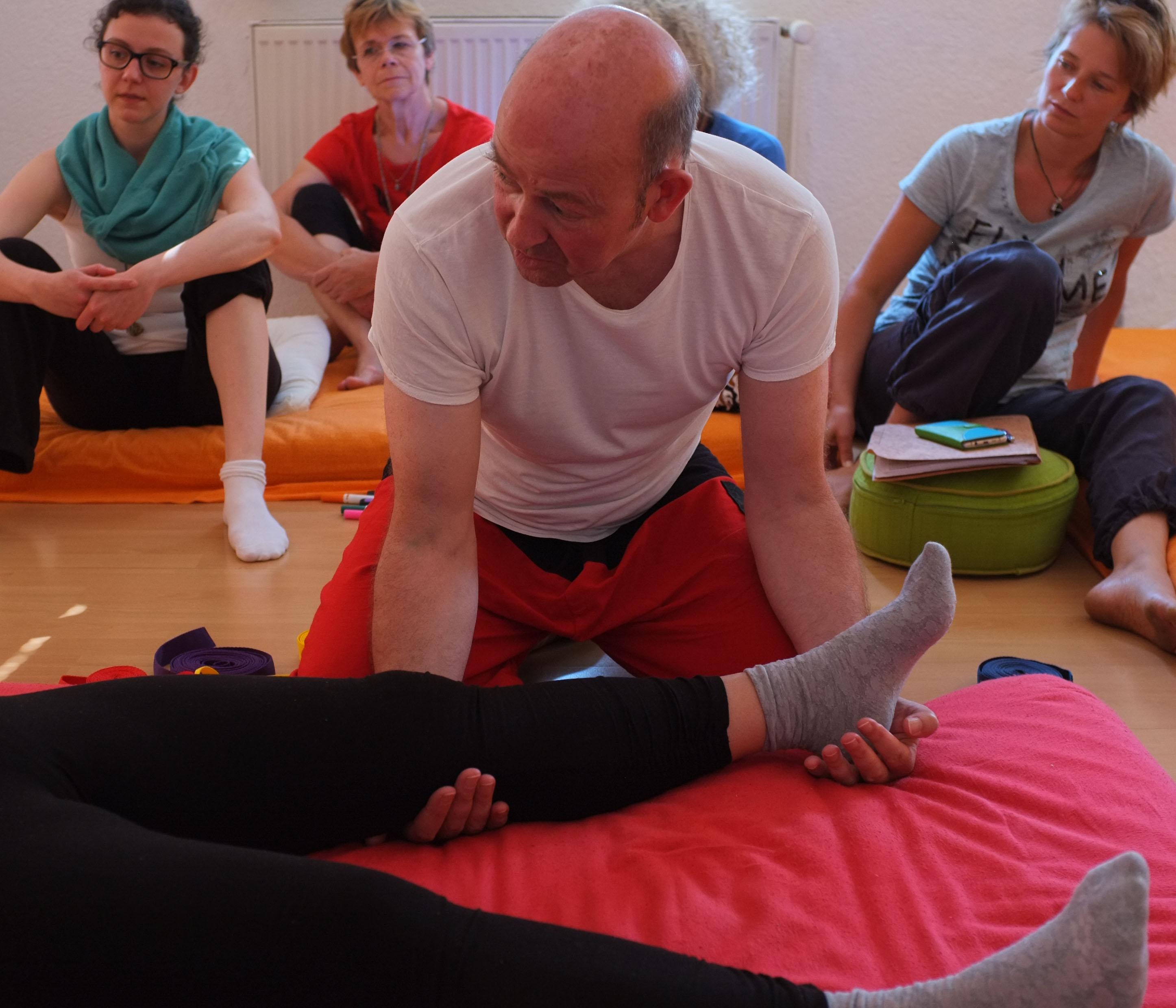 Robert Henderson-Workshop Thai Hand Berlin.jpg