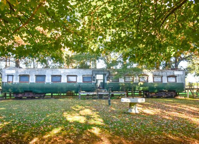 Dentro de este antiguo vagon de tren, hay 4 habitaciones standard
