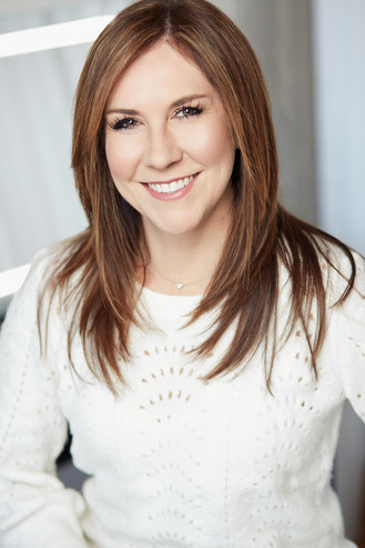 Professional-Business-Headshots-for-Women-in-Chicago.