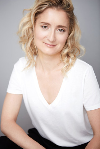 Professional Headshot of Woman In Chicago by Tiny Space Studio