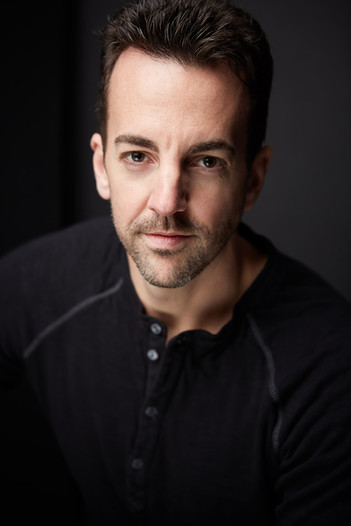 Actor Headshot Photography Chicago Tiny Space