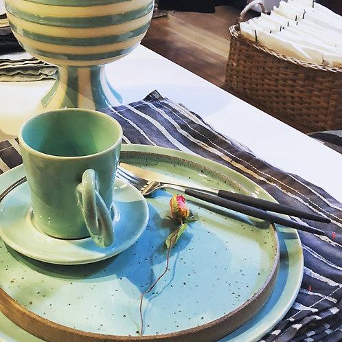 Xícara para chá com pires em cerâmica