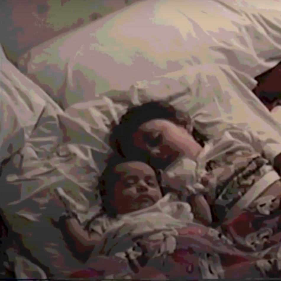 Alicia and Melissa (film still)