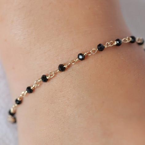 bracelet-chapelet-noir-plaque-or_1024x10