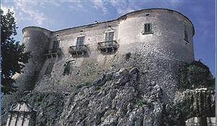 castello di macchiagodena.jpg