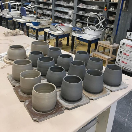 A total of 16 pots thrown today! (With o