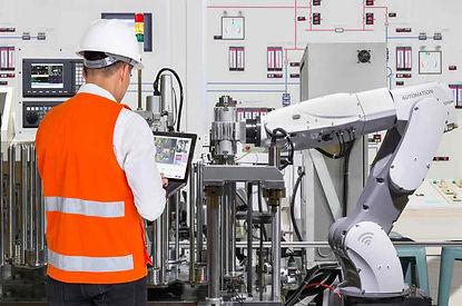 Konzentration beim Einstellen der Roboter