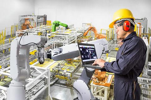 Roboterprogrammierung durch einen Mitarbeiter