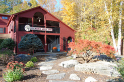 Fall fooliage at the Shaker Mill Inn