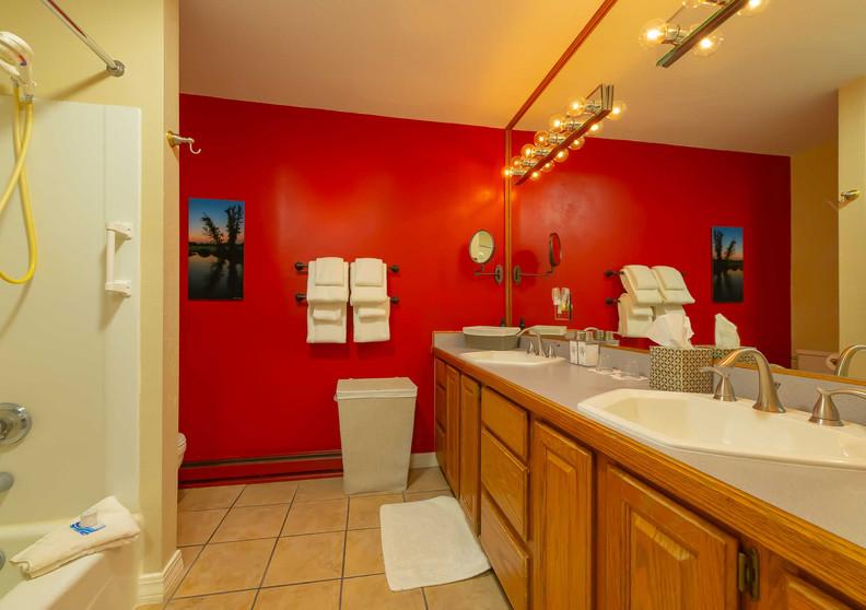 Bathroom in the Washington Room Shaker Mill Inn