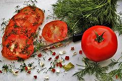 tomatoes-3437185_1920.jpg