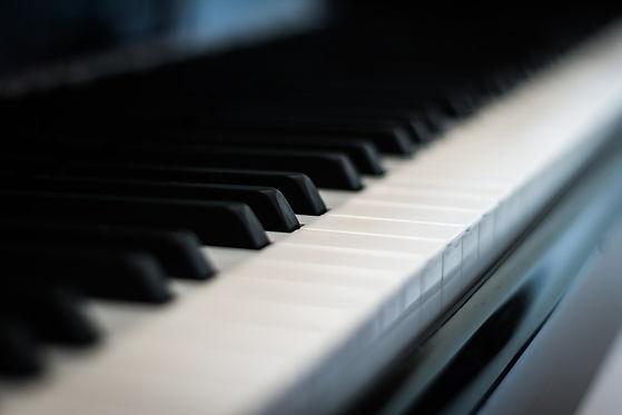 piano-558452_1920.jpg