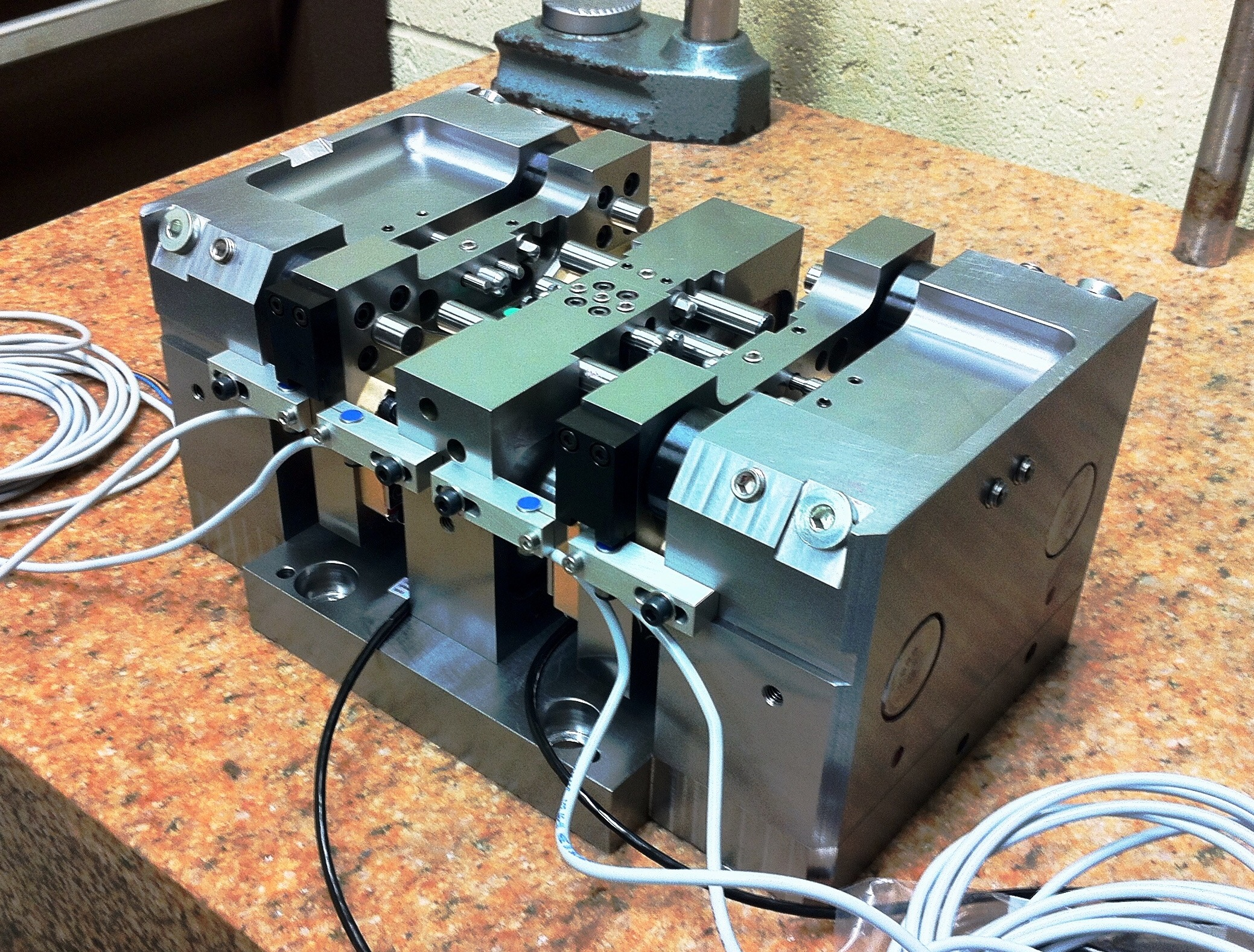 Assembled Machine Fixture