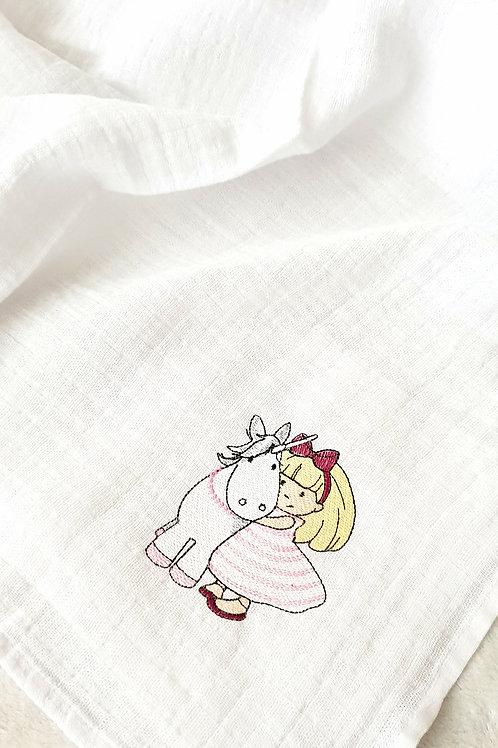 Hímzett textilpelenka - Kislány egyszarvúval