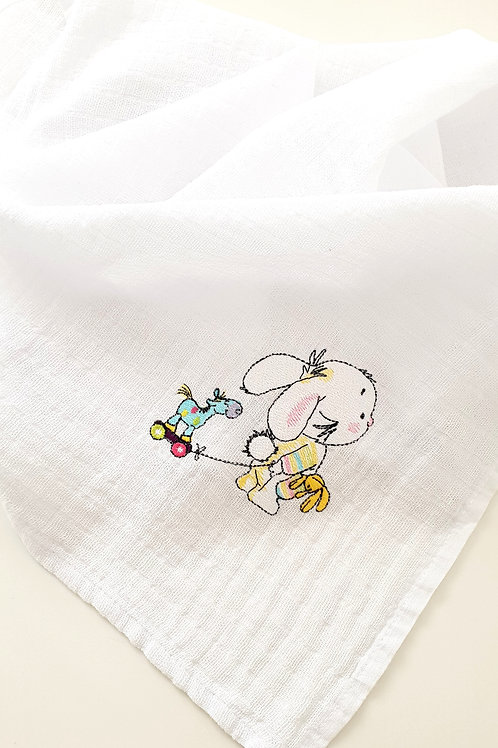 Hímzett textilpelenka - Nyuszi játék lóval