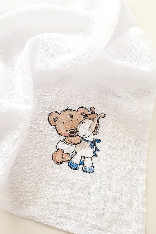 Hímzett textilpelenka - Maci pónival (kék masnival)