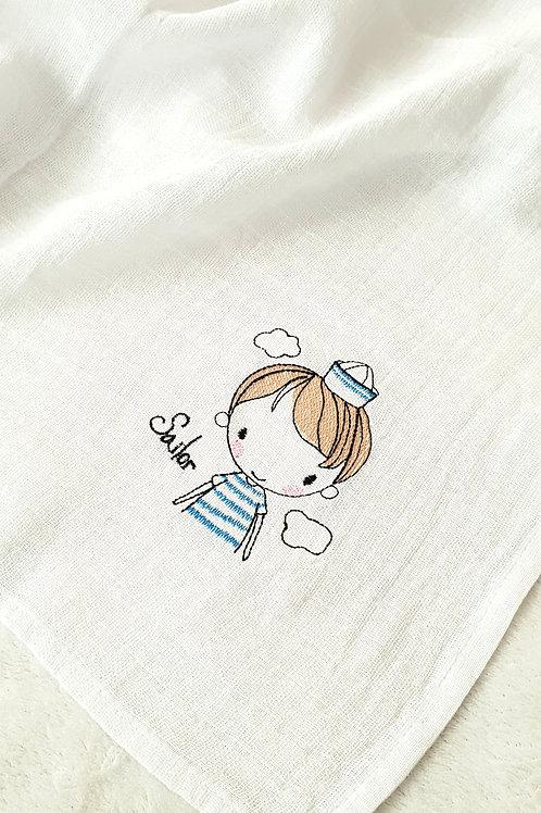 Hímzett textilpelenka - Matróz kisfiú