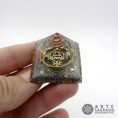 Mini orgonita pirámide ACUARIO cuarzo Aguamarina / Plata 0.925