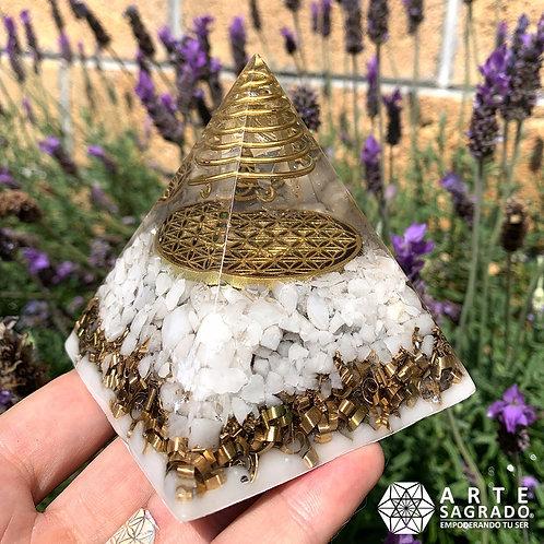 Orgonita pirámide FLOR DE LA VIDA cuarzo blanco