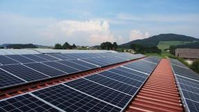 ¿Genera la misma energía un panel solar en verano y en invierno?