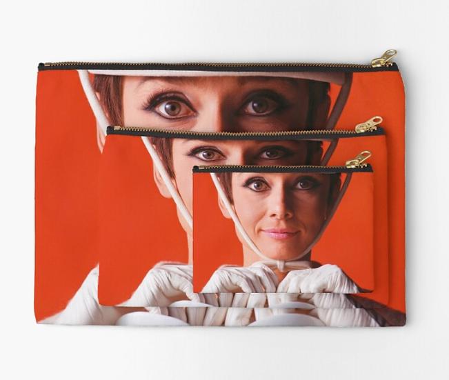 pochette Audrey Hepburn façon Courrèges