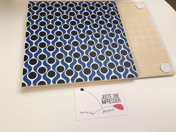 dessous de plat faïence imprimée motif géométrique noir & bleu