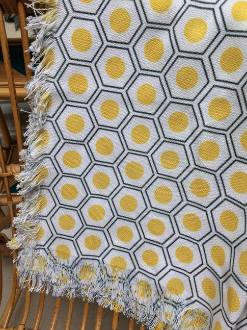 un tapis neuf aux allures rétro ?