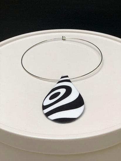 pendentif psychédélique noir & blanc (Taille S)