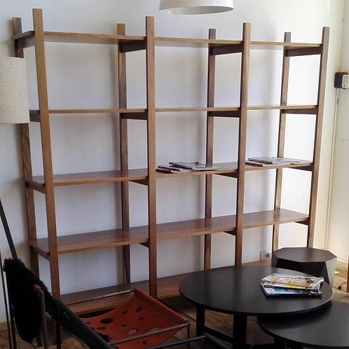 Biblioteca madera Guatambú Tono Petiribí